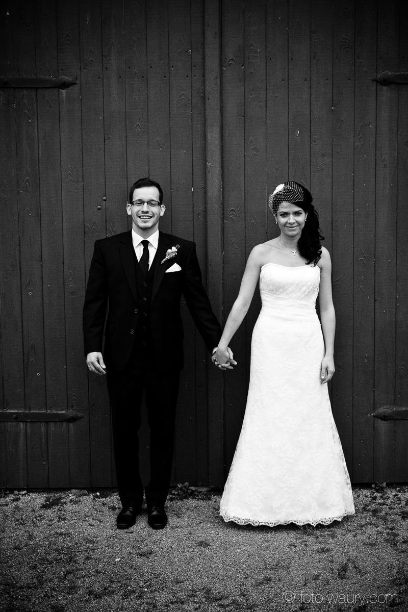 Brautpaar - Händchen halten