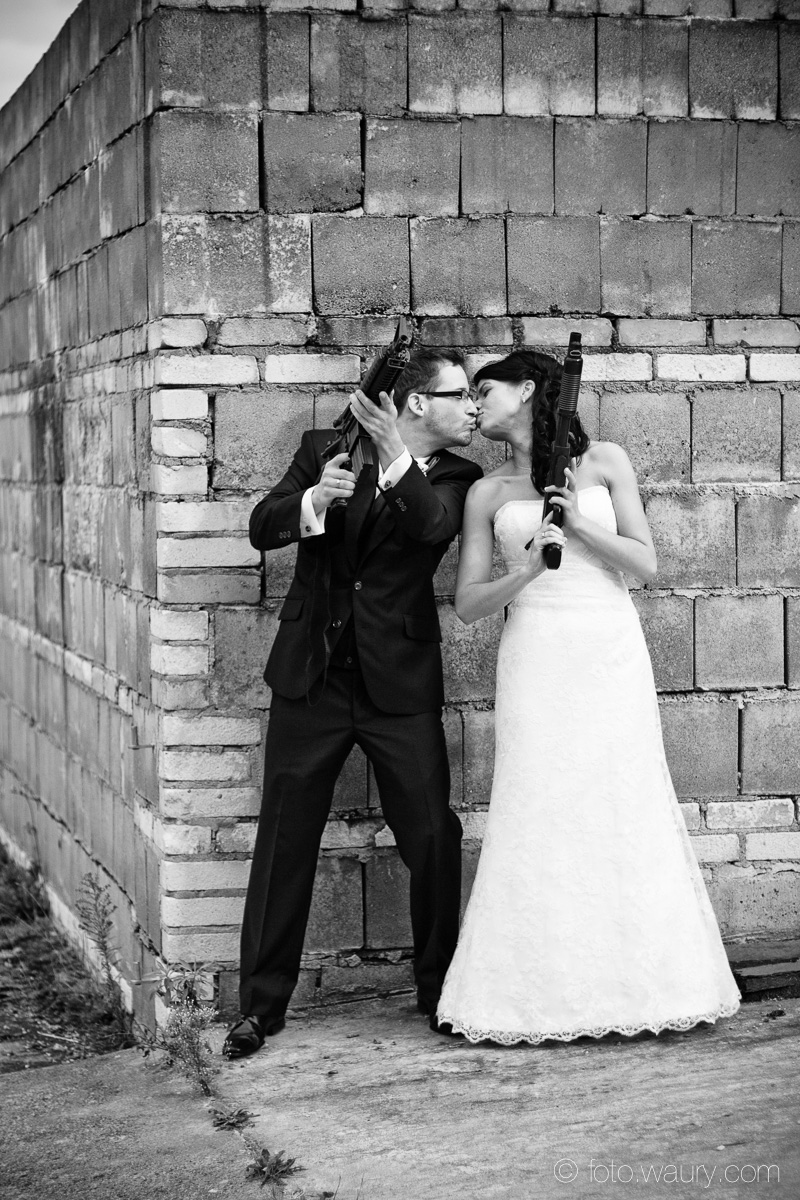Brautpaar - Mr and Mrs Smith - Waffen