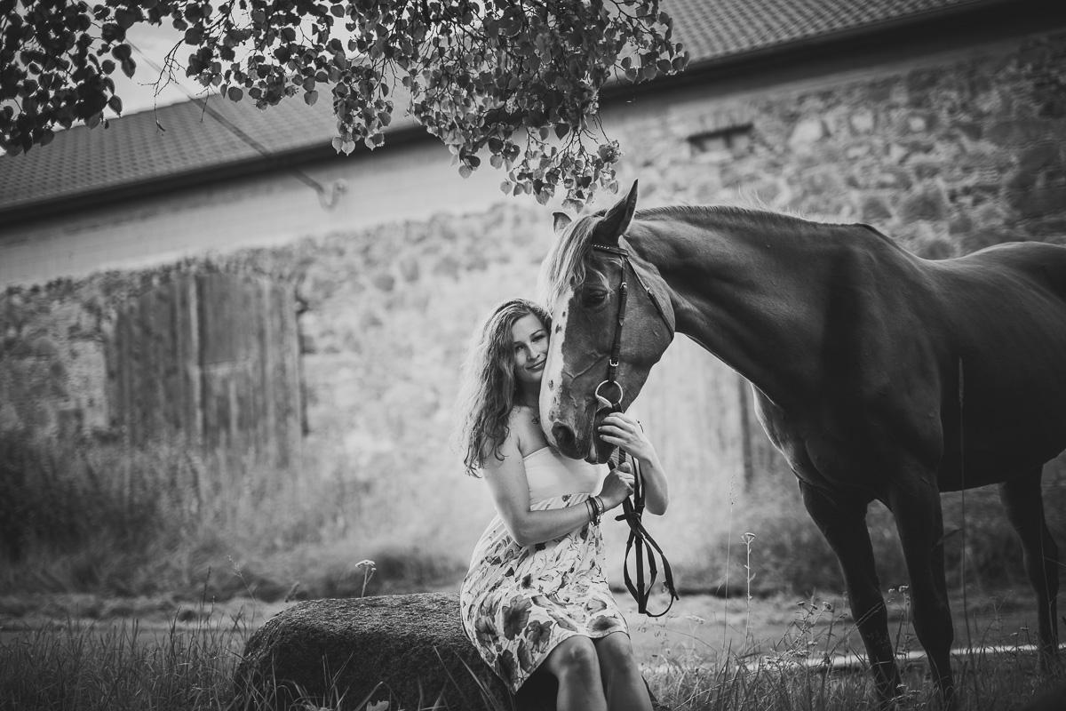 Fotoshooting - Elisabeth und Pferd-25