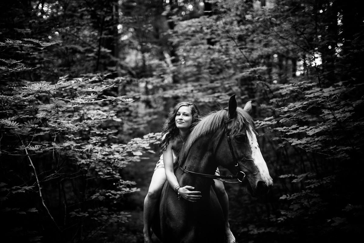 Fotoshooting - Elisabeth und Pferd-38
