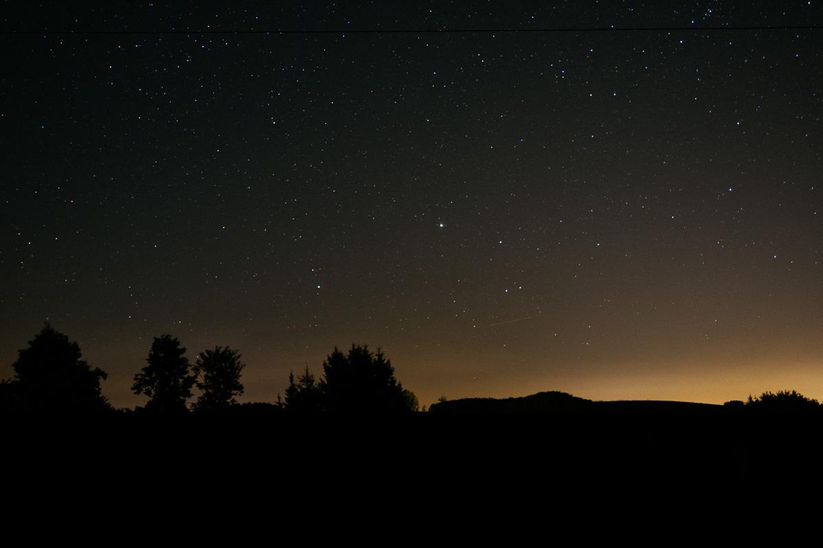 Sonnenuntergang und Sternenhimmel über Klingental bei Freital