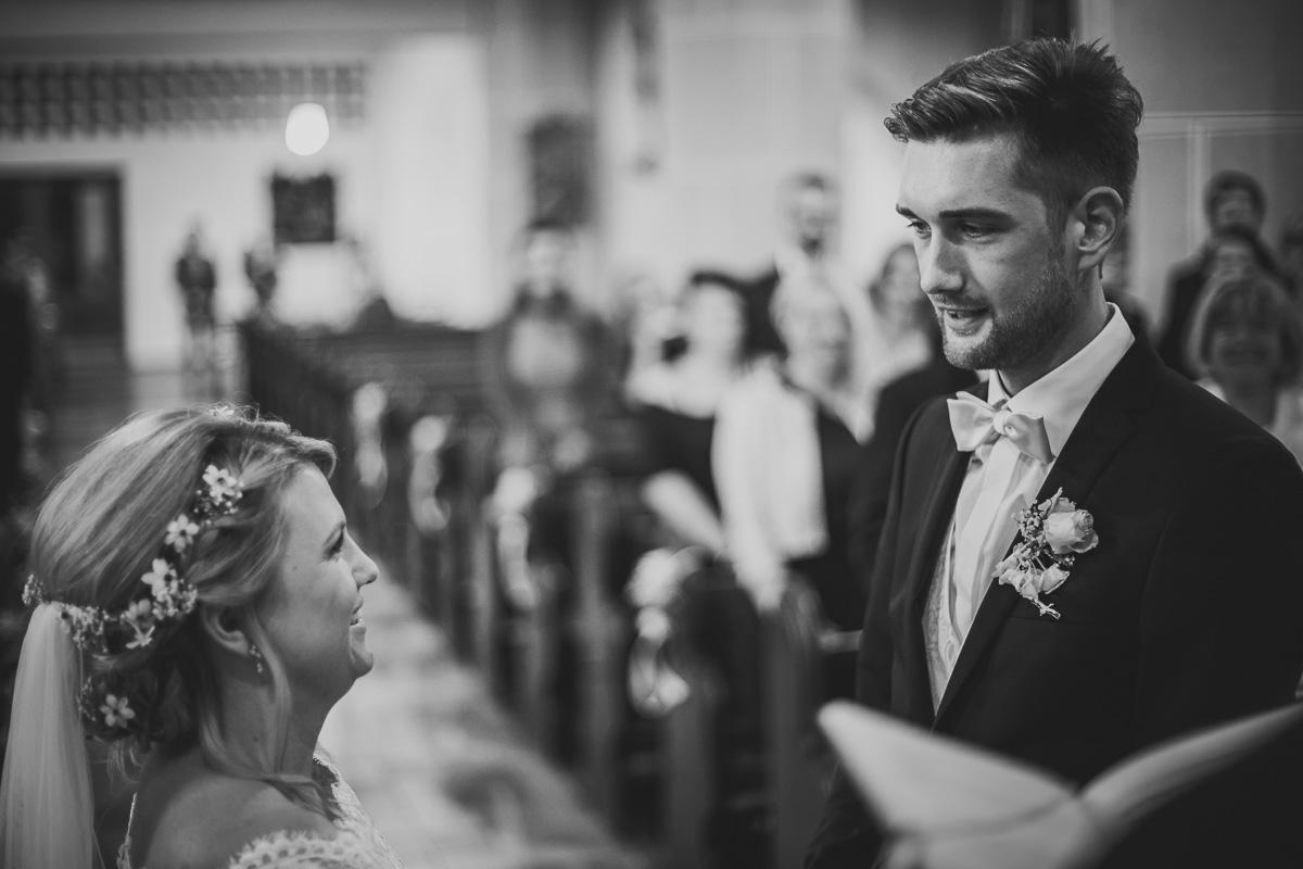 Brautpaar gibt sich das Ja-Wort