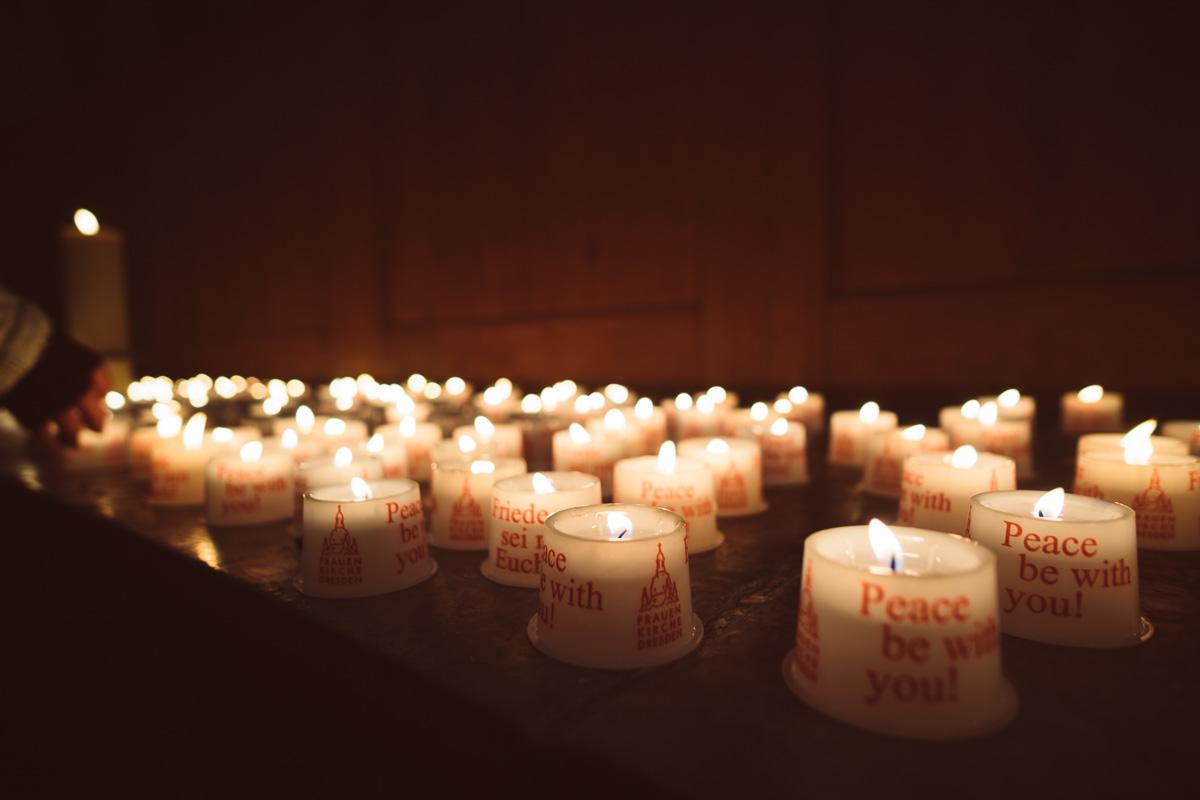 Kerzen in der Frauenkirche Dresden