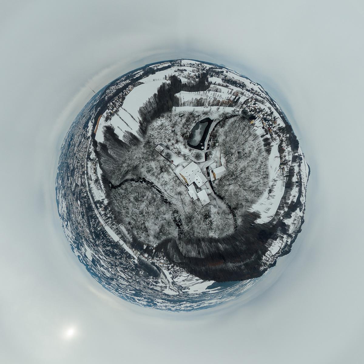 Ein 360 Grad Panorama, umgeformt zu einem kleinen Planeten, einem little Planet