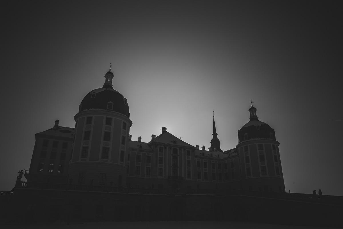 Schloss Moritzburg im Gegenlicht fotografiert