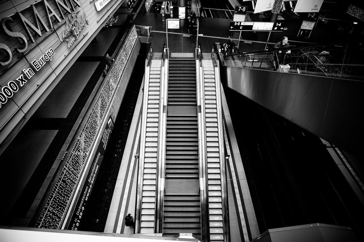 Rolltreppen im Hauptbahhof Berlin