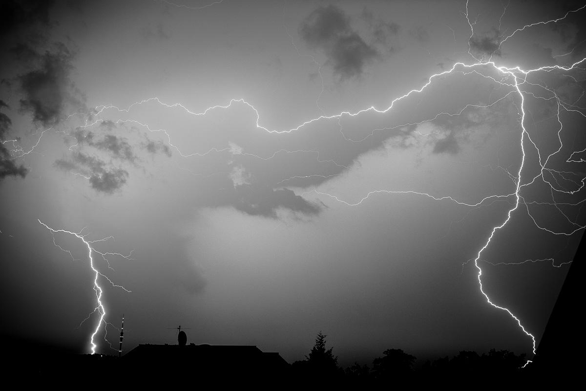 Gewitter über der Stadt Dresden