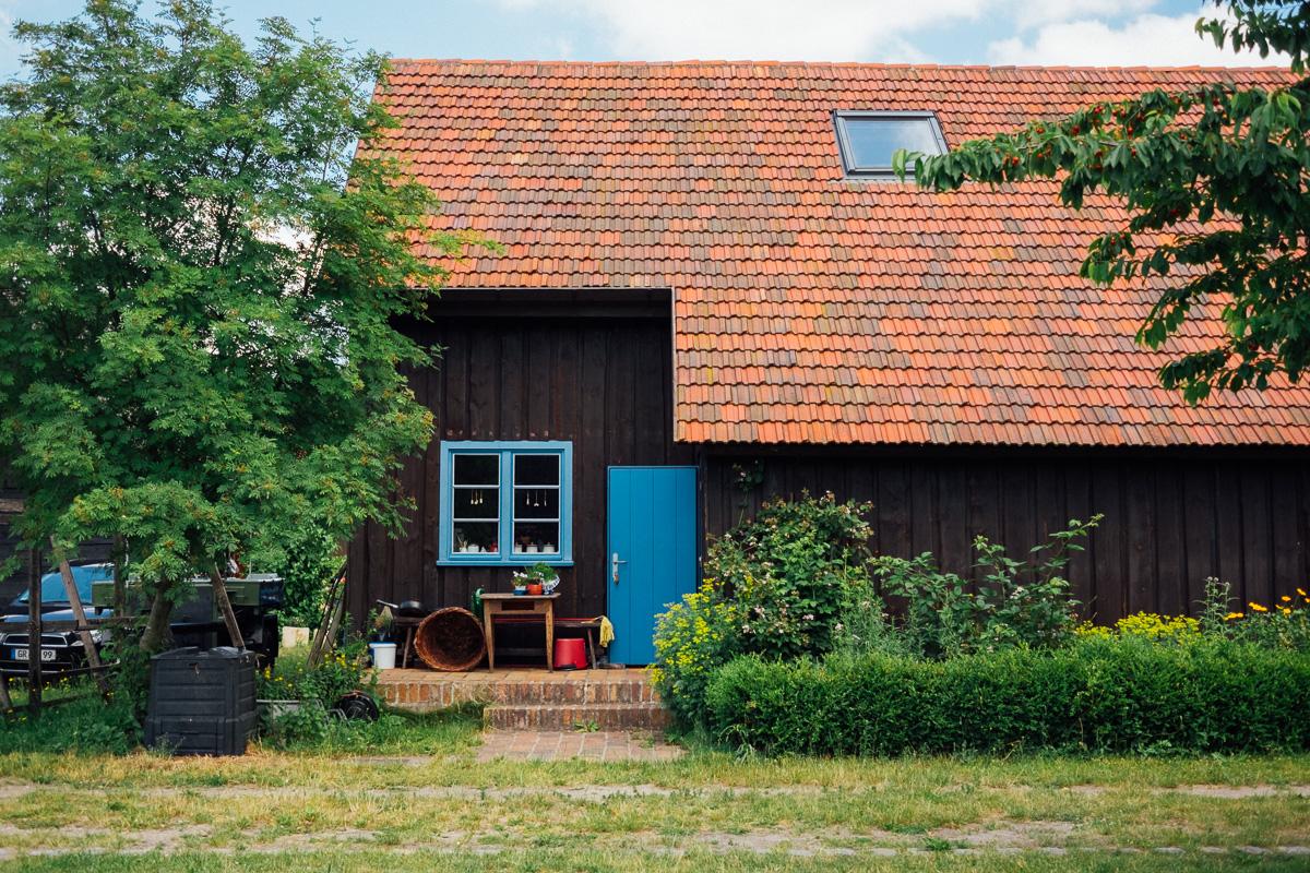 Ein Hinereingang zu einer Hütte im Museumsdorf Rietschen bei Görlitz